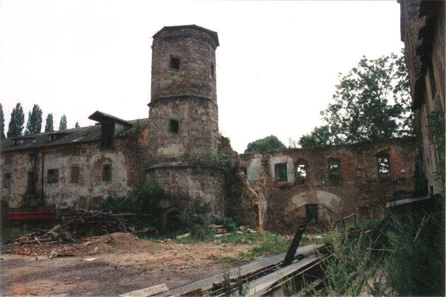 zamek-90.leta4