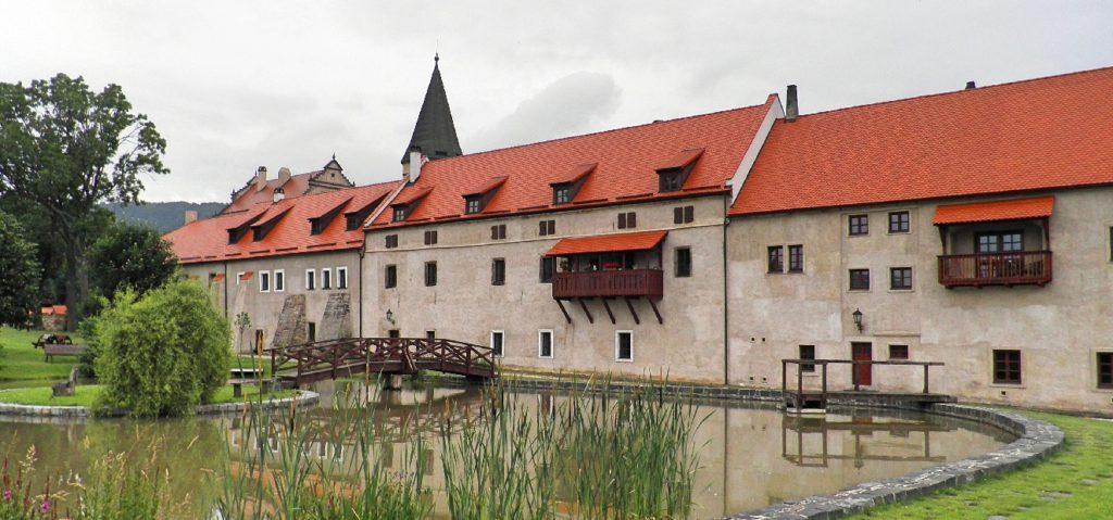 Zamek-rybnik_Fotor